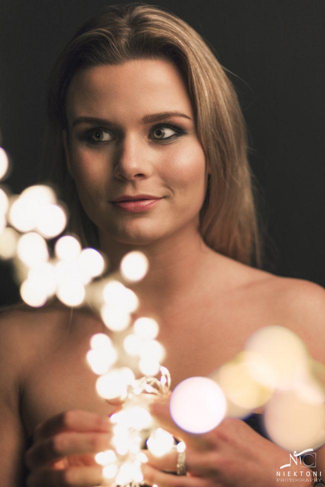IMG 7685 irene lichtjes met ogen 650x975 - Portret